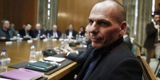 Varufakis'in B planı Yunanistan'ı karıştırdı