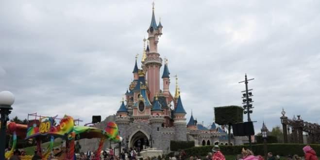 Disneyland'a AB takibi