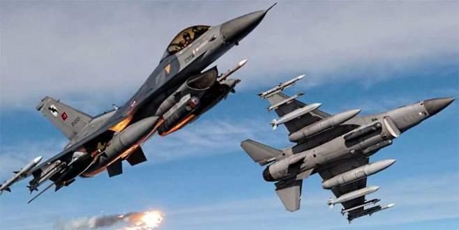 Türk jetleri Irak'ta PKK kamplarını bombaladı