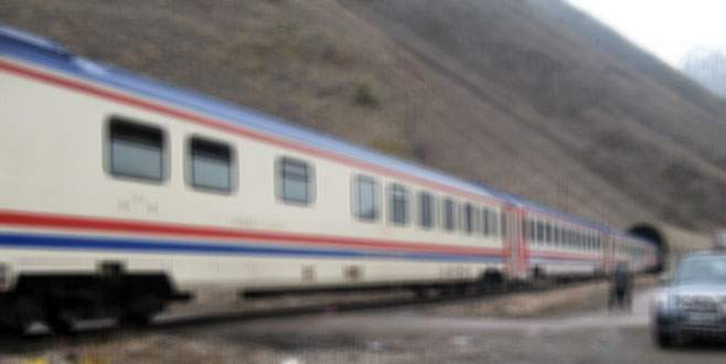 Van'da trene mayınlı saldırı