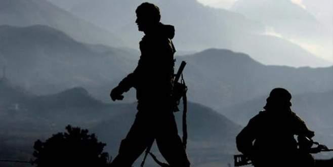 Teröristlerden askere hain pusu