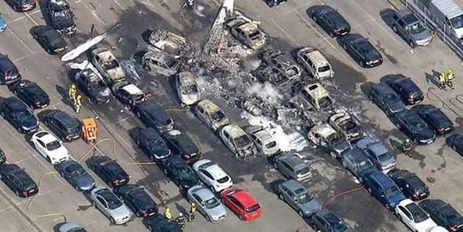 Araba pazarına uçak düştü: 4 ölü