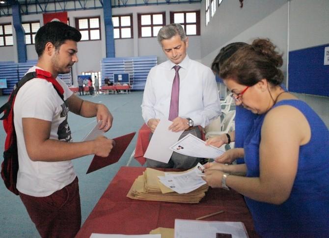 Çukurova Üniversitesi'nde Kayıtlar Başladı