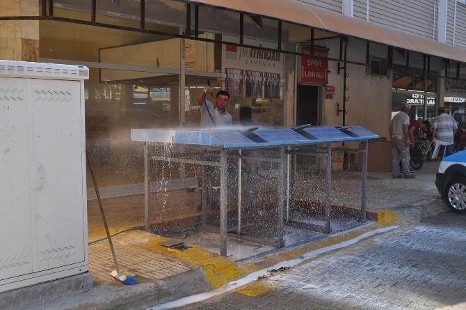 Korkuteli'de Konteynırlar Dezenfekte Oluyor