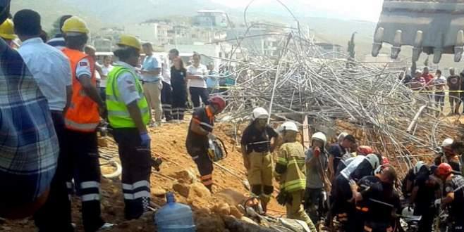 Köprü iskelesi çöktü: 4 ölü