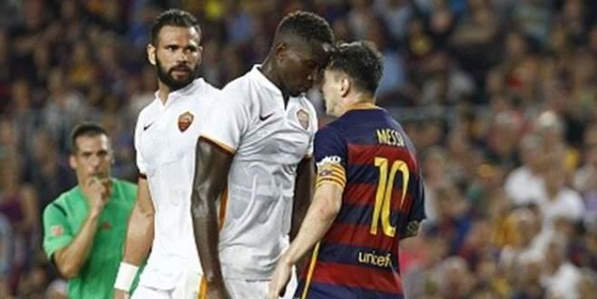 Messi önce kafa attı sonra…