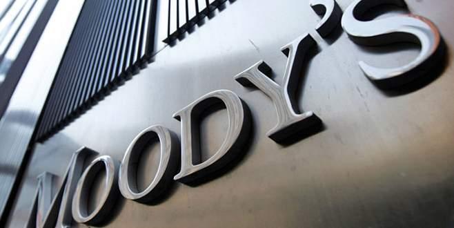 Moody's İngiltere notunu 'durağana' çevirdi