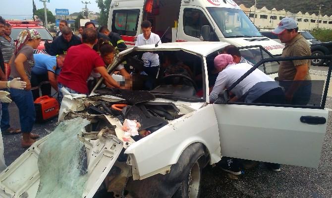 Asker Uğurlamasından Dönen Araç Kaza Yaptı: 1 Ölü, 6 Yaralı