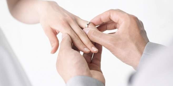 Memura evlilik yardımı yolda