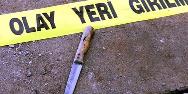 Karısını 31 yerinden bıçaklayıp yol kenarına bıraktı