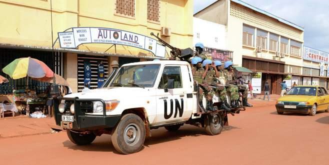 BM arabulucusu 4 askeri öldürdü
