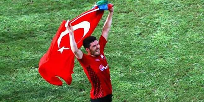 Türk bayrağı tartışması can aldı