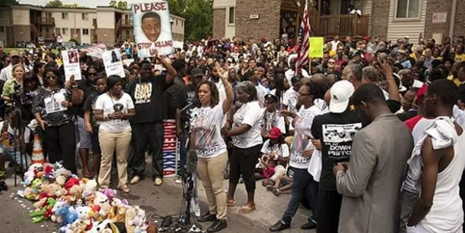 Ferguson'da anma töreninde çatışma