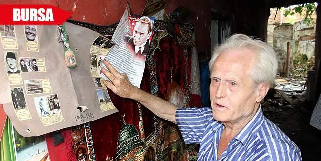 Çöp evde yaşayan adam: Atatürk köşemi almayın