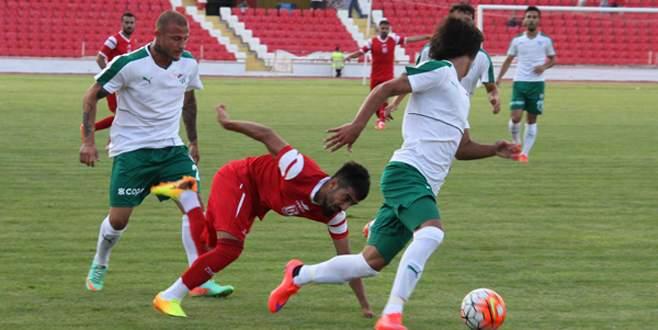 Bursaspor hazırlık maçında Balıkesirspor'a 3-0 mağlup oldu