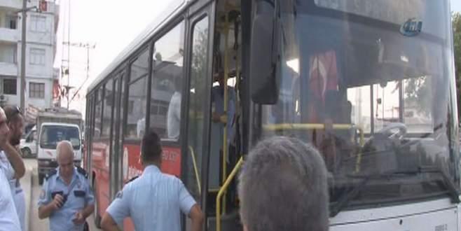 Belediye otobüsünde canlı bomba alarmı