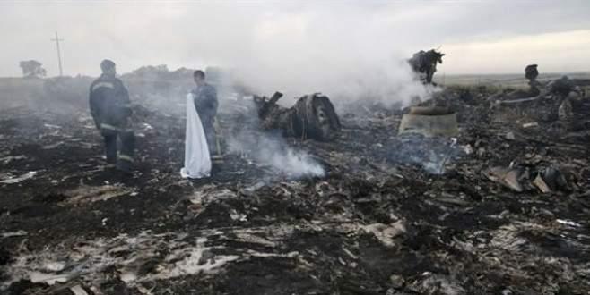 Malezya uçağında füze izleri bulundu