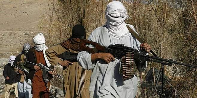 Taliban Afganistan'da 12 yolcuyu kaçırdı