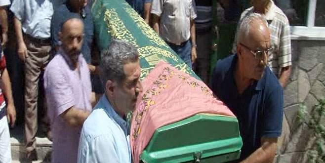 İki defa cenaze namazı kılınıp defnedildi