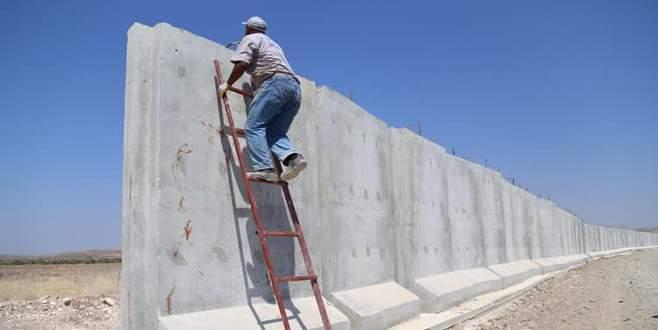 Sınıra 3 metrelik beton duvar