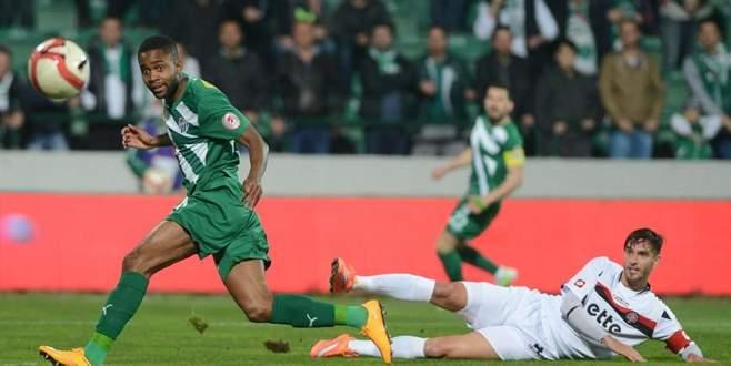 Bursaspor Bakambu transferi için o takımla anlaştı