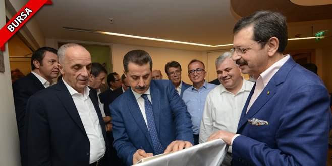 Bakan Çelik ve TOBB Başkanı Hisarcıkloğlu'ndan Burkay'a ziyaret