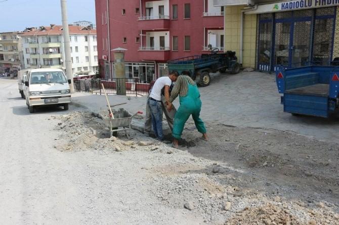 Ketmenli Caddesinde Bordür Çalışması