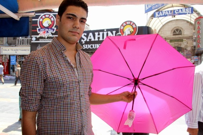 Sıcak Hava Şemsiye Satışlarını Arttırdı