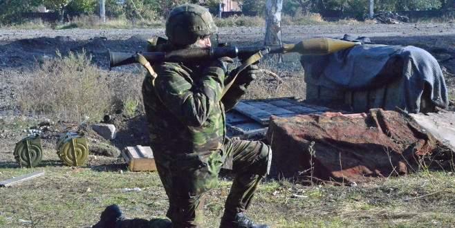 Ukrayna'da 3 bin asker, ayrılıkçıların safına geçti