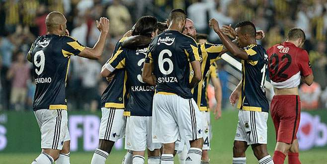 Fenerbahçe yeni sezona galibiyetle başladı