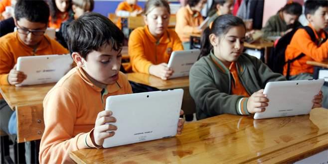 Sınavlar artık tablet üzerinden yapılacak