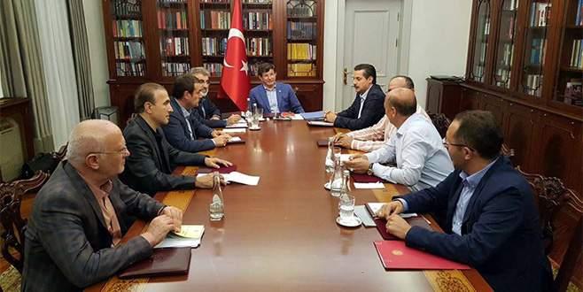 Başbakan Davutoğlu MHP heyetiyle buluştu