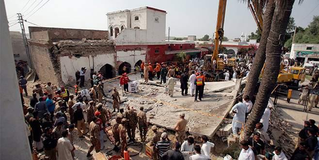 Pakistan'ı sarsan saldırı! İçişleri bakanı öldü