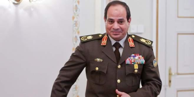 Sisi'den terör yasasına onay