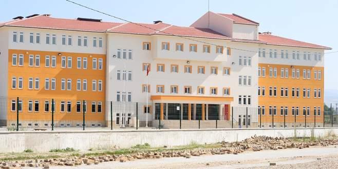 Yenişehir'de okul binaları rahatladı