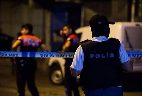 Esenler'de polise ateş açıldı
