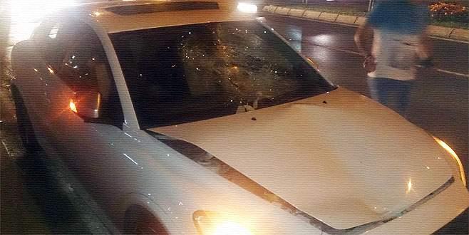 O polis bu kez de yaya kadına çarptı