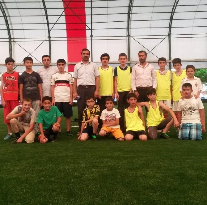 Doğanşehir Merkez Camisi Futbolda Şampiyon Oldu