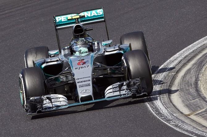 Mercedes Amg Petronas Podyumu Hedefliyor