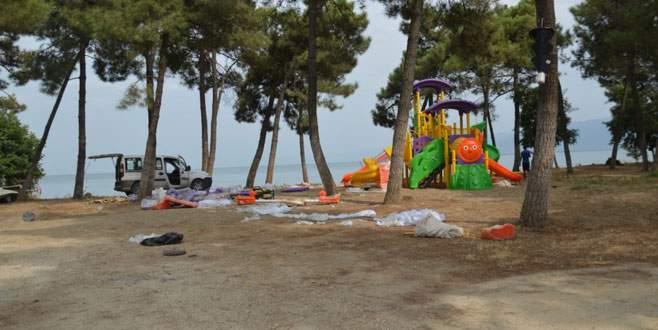 Piknik alanına çocuk parkları kuruldu
