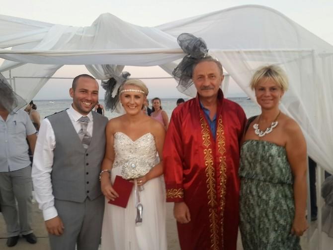 İngiliz Çift Düğün İçin Altınkum'u Tercih Etti
