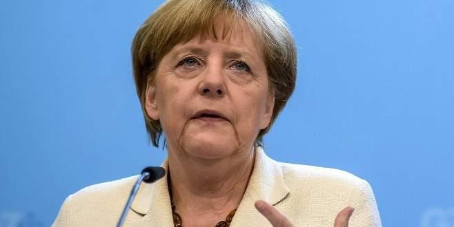 Alman Şansölye yaptırım ve Rusya'dan vazgeçmiyor