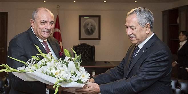 Bülent Arınç görevini Türkeş'e devretti