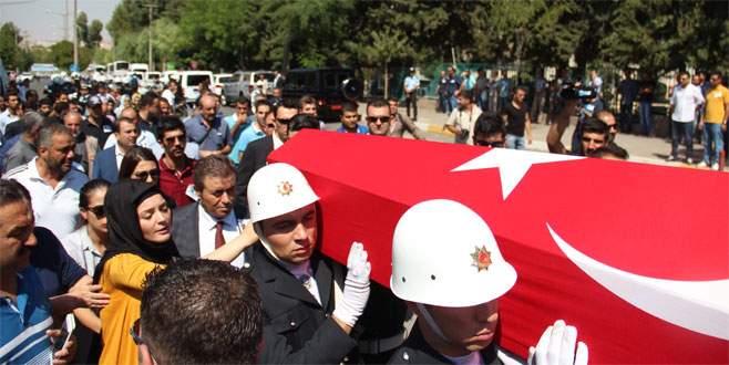 Şehit polisler, törenle memleketine uğurlandı