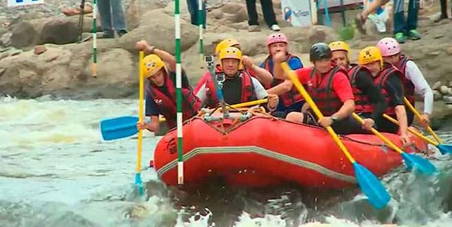 Lavrov'un rafting keyfi