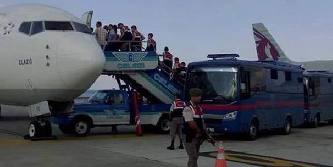 Trabzon'a özel uçakla mahkûm nakledildi