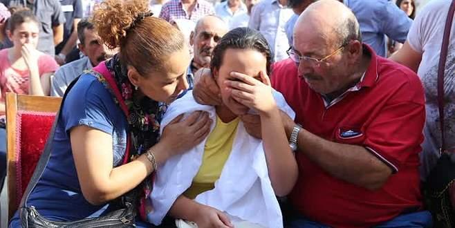 Şehidin kızı yürekleri yaktı! 'Neredesin baba'