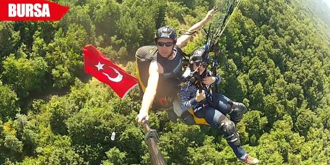 300 metre yükseklikte bayrak açtılar