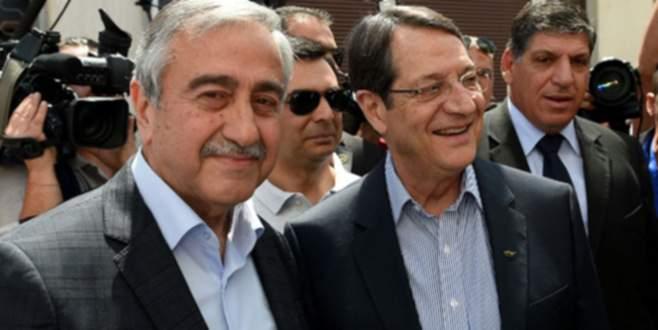 Kıbrıs'ta çözüm için tarihi fırsat