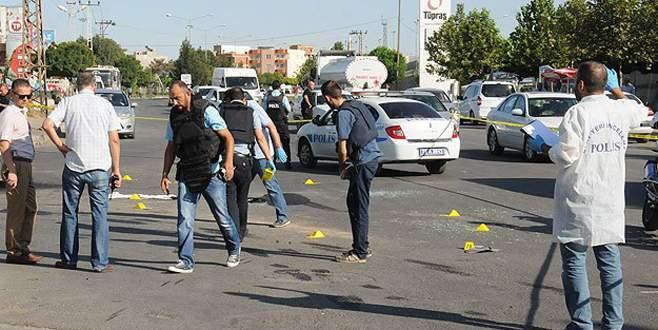 PKK polis aracını taradı: 1 şehit